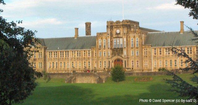 Bradford Grammar Junior School, BD9
