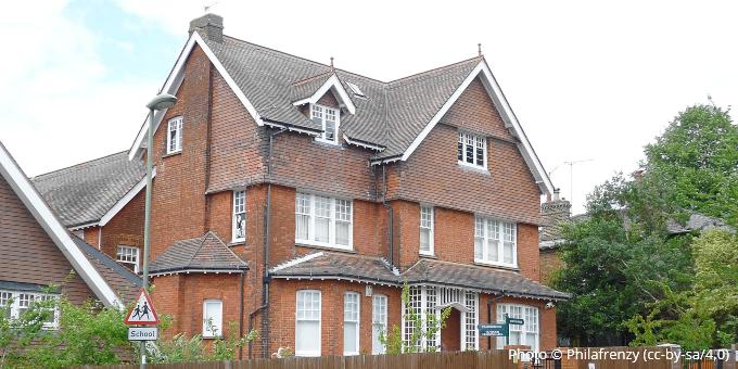 Lyonsdown School, Barnet EN5