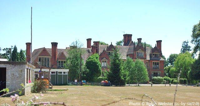 Moon Hall Junior School, Reigate RH2