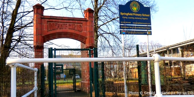 Springfield Primary School, Sale M33