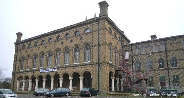 Ysgol Gymraeg Llundain, The London Welsh School, W7