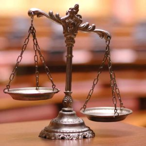 Image of tipped scales for the Academic results; independent schools v state post