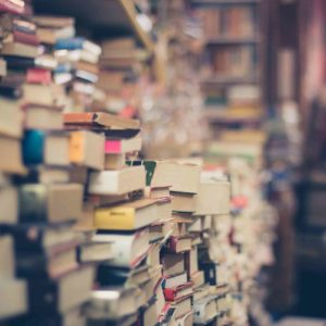 Image of a room full of books for the Selective school post